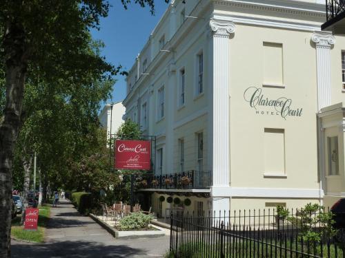 克拉伦斯法院酒店