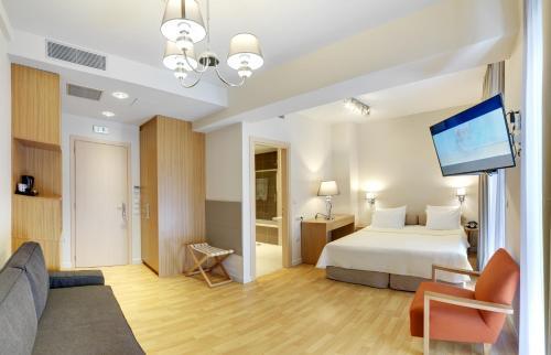 فندق فيدياس بيرايوس