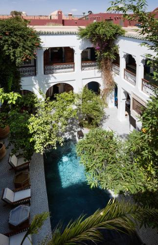 蓝眸摩洛哥传统庭院住宅