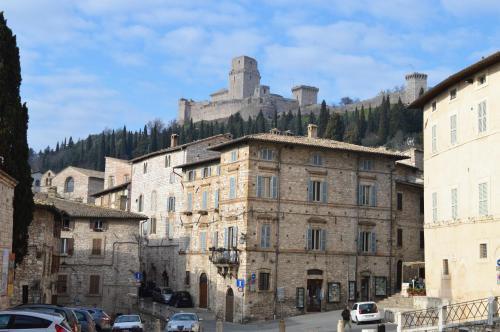 Assisi appartamenti in affitto for Appartamenti assisi