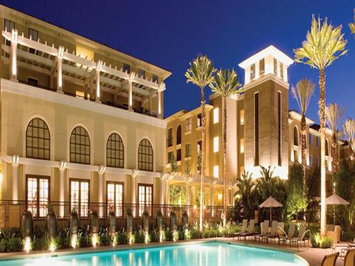 Global Luxury Suites at The Village