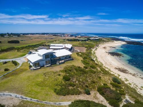 Wytonia Beachfront Accommodation