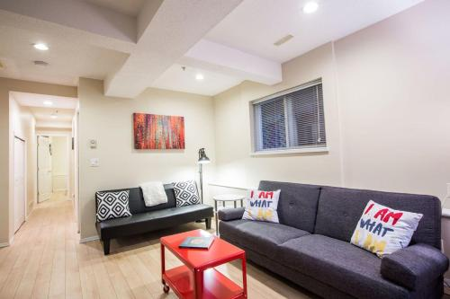 Three-Bedroom on W 5th Avenue Apt GS