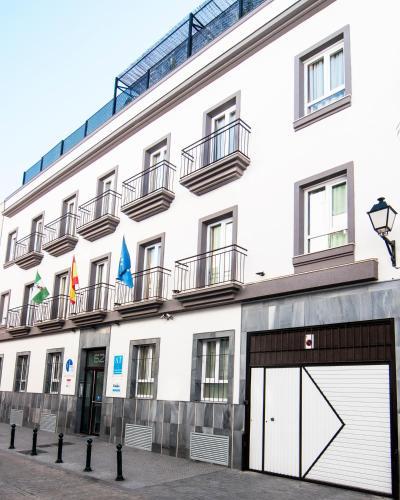 加的斯广场公寓酒店