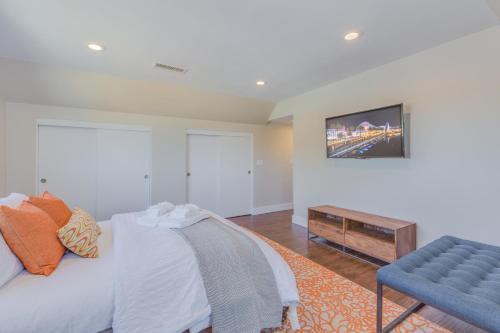 Orangewood, Homes at Anaheim