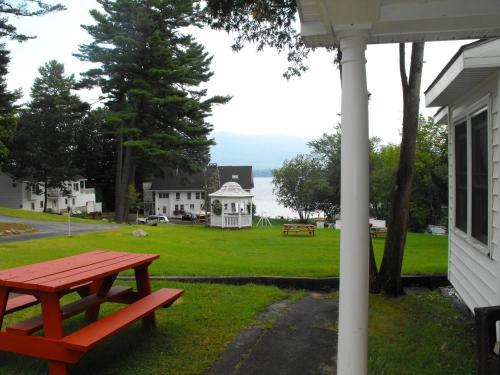 乔治湖别墅酒店