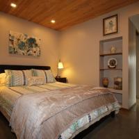 Suite in Britannia Beach