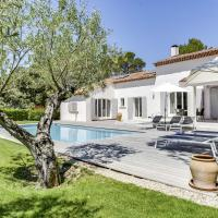 Beautiful Villa on the Pont Royal Golf Course