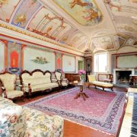 Charming Frescoed Apartment
