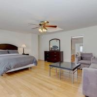 Large Top Floor Apartment Center of North Beach