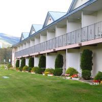 Monashee motel