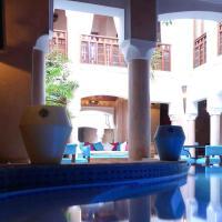 绿松石摩洛哥庭院住宅