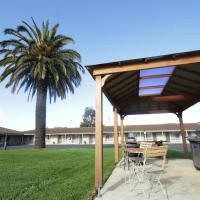 Golden Palms Motel