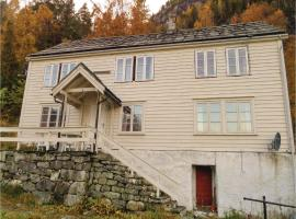 Four-Bedroom Holiday Home in Vallavik, Kaland