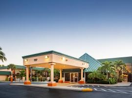 Super 8 by Wyndham North Palm Beach, North Palm Beach