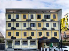 Hotel Ristorante Tre Leoni, سوما لومباردو