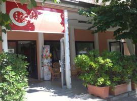 Hotel Canasta, רימיני