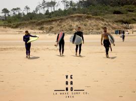 La Wave Surf House, Somo