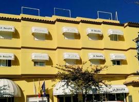 拉博雷拉酒店, 比纳罗斯