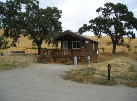 San Benito Camping Resort One-Bedroom Cabin 3, Paicines