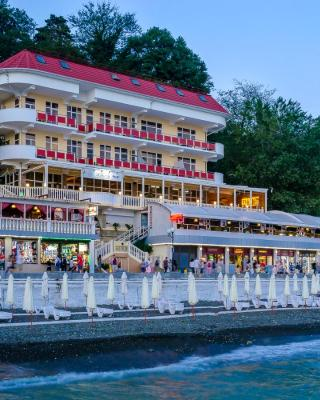 鲁索图里斯托酒店