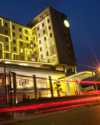 耶穆尔萨利黄釉酒店