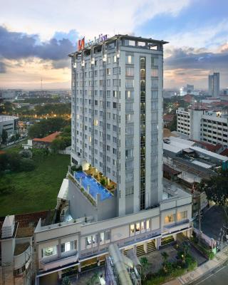 瑞士贝林泗水唐均苏拉巴亚酒店