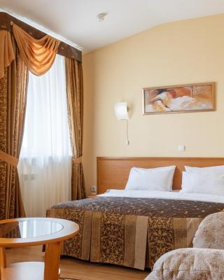 茵歌利亚酒店