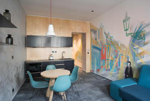 VisitInn Apartments & Hostel