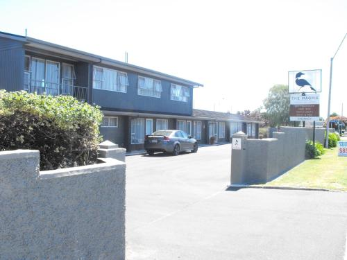 The Magpie-Hawkesbay Motel
