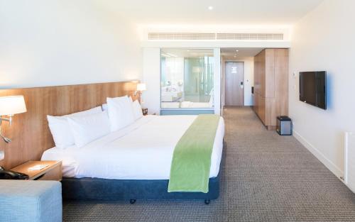 酒店室内浴池风景图