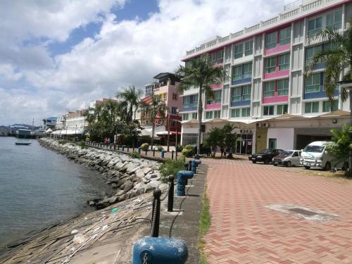 Oceanus Backpackers Hostel