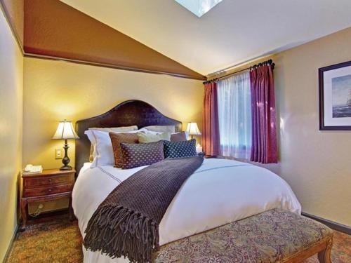 巴布林河边旅馆