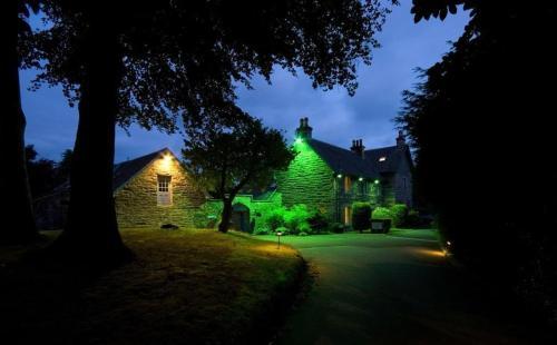 Craigatin House & Courtyard