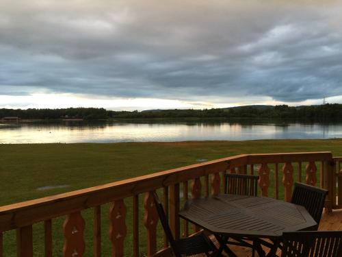 Fenna Lakeside Lodge - Pine Lake Resort