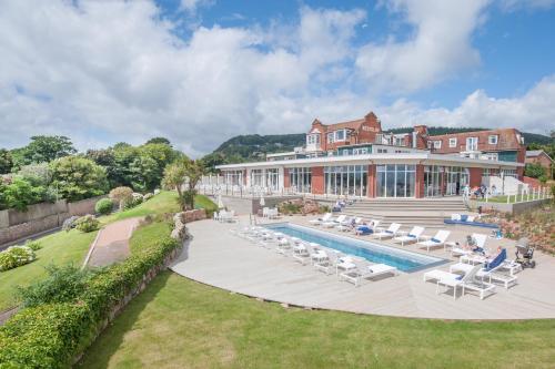 锡德茅斯港酒店