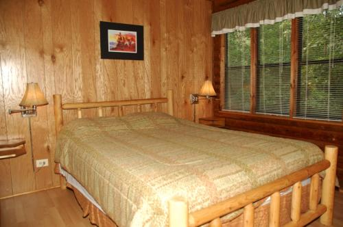 Carolina Landing Camping Resort Cabin 10