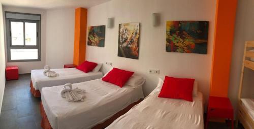 New Art Hostel Albergue Juvenil